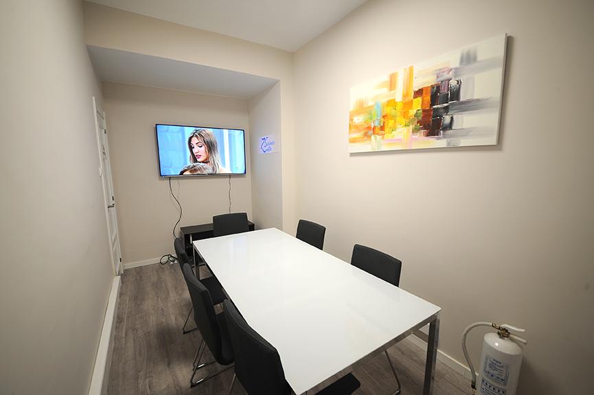 Alquiler de sala de reuniones en Zaragoza. Sala de reuniones Z5 Business Zenter72